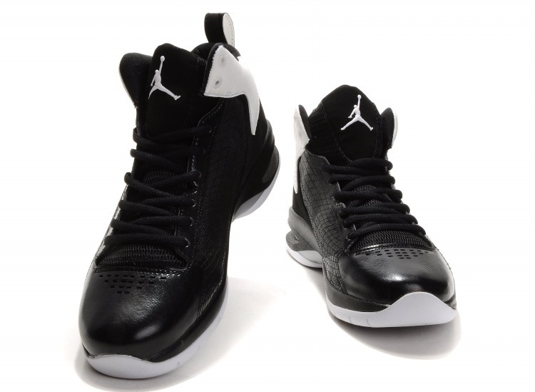 air jordan black white